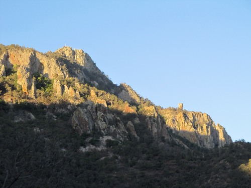 To Pinnacles Trail